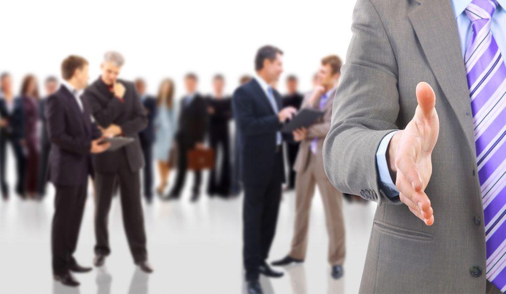 ¿Cómo puedo mejorar la relación con mis clientes a través de las TIC?