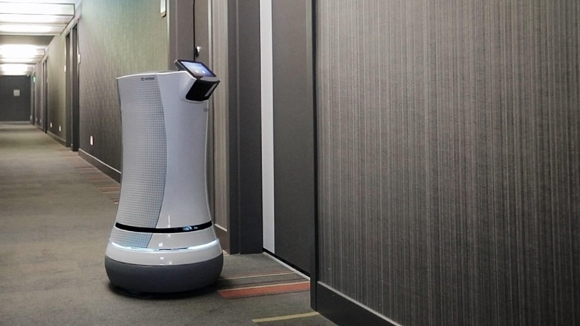 Los hoteles aplican el machine learning y robots para la atención al ...
